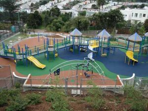 acrylic-playground01